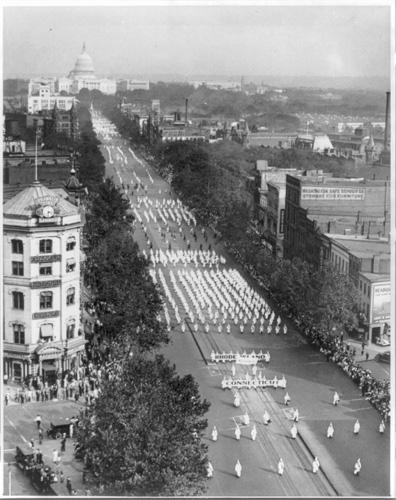 Ku Klux Klan parade (1926).